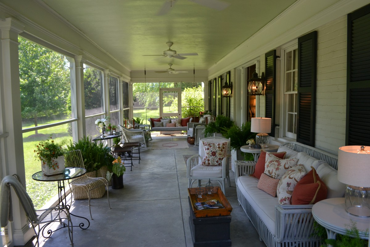 Image of: Front Porch Decorating Ideas Exterior