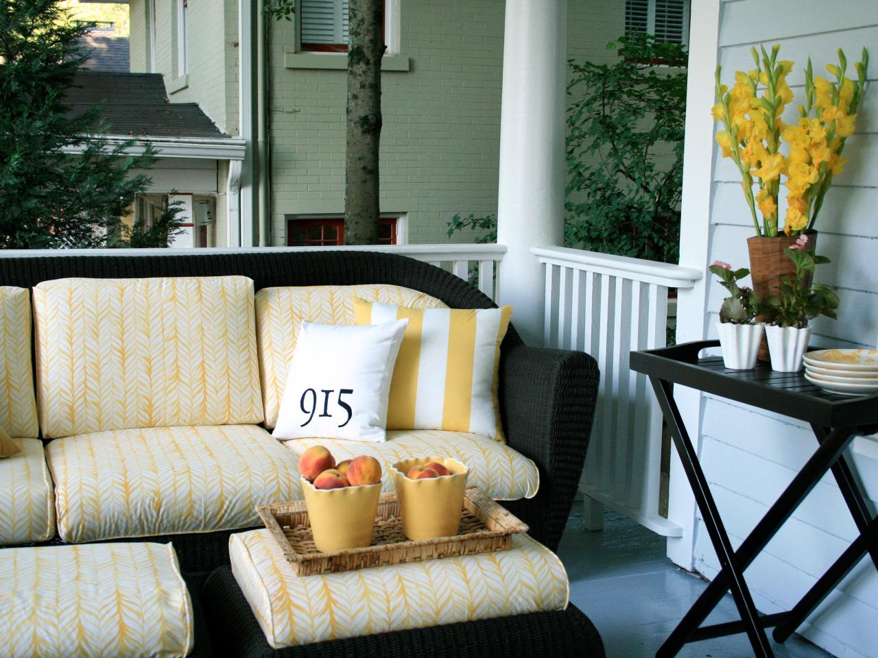 Image of: Front Porch Furniture Sets Ideas