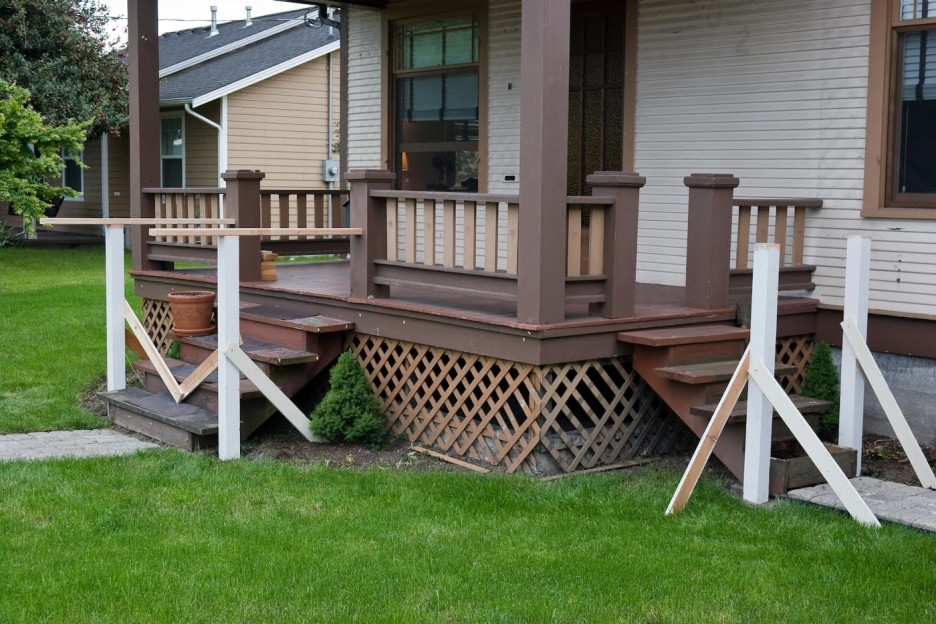 Image of: Front Porch Handrails Designs