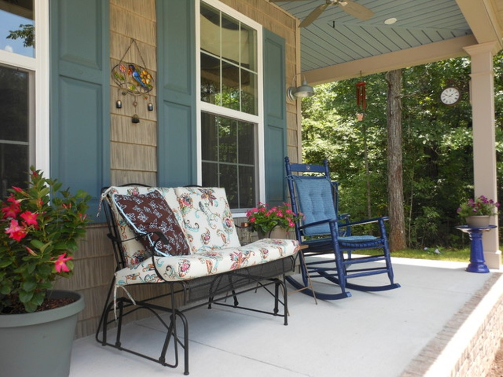Image of: Front Porch Ideas And More Furniture