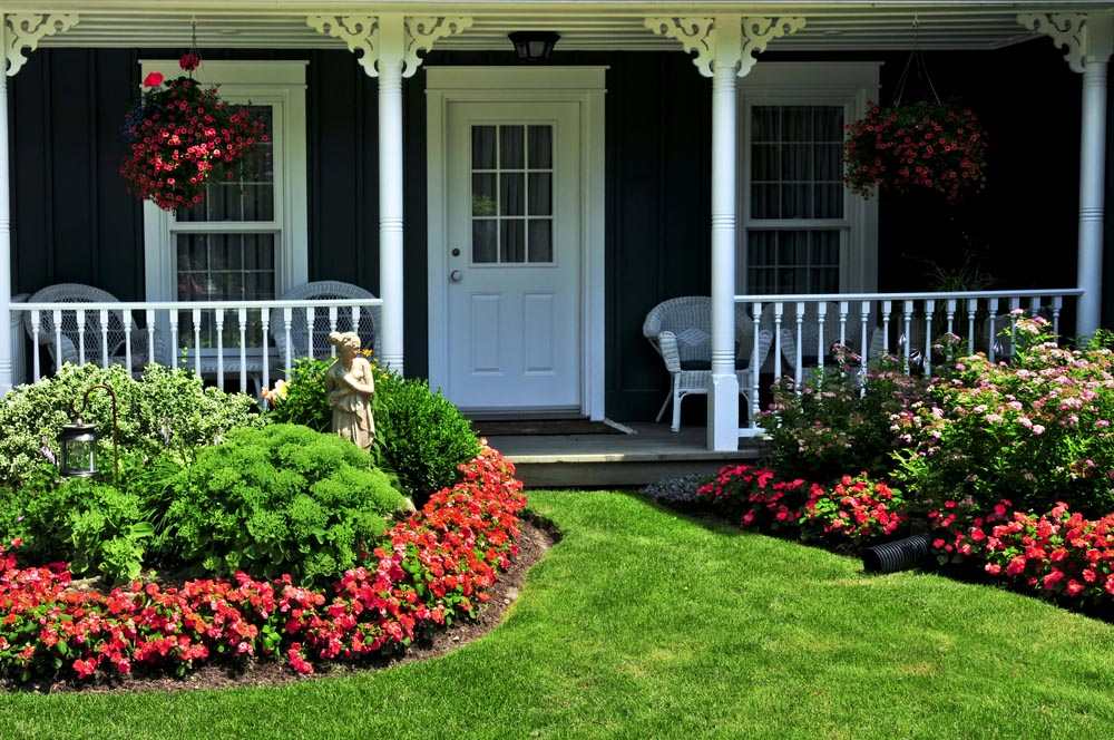 Image of: Front Porch Landscaping Ideas Flowers