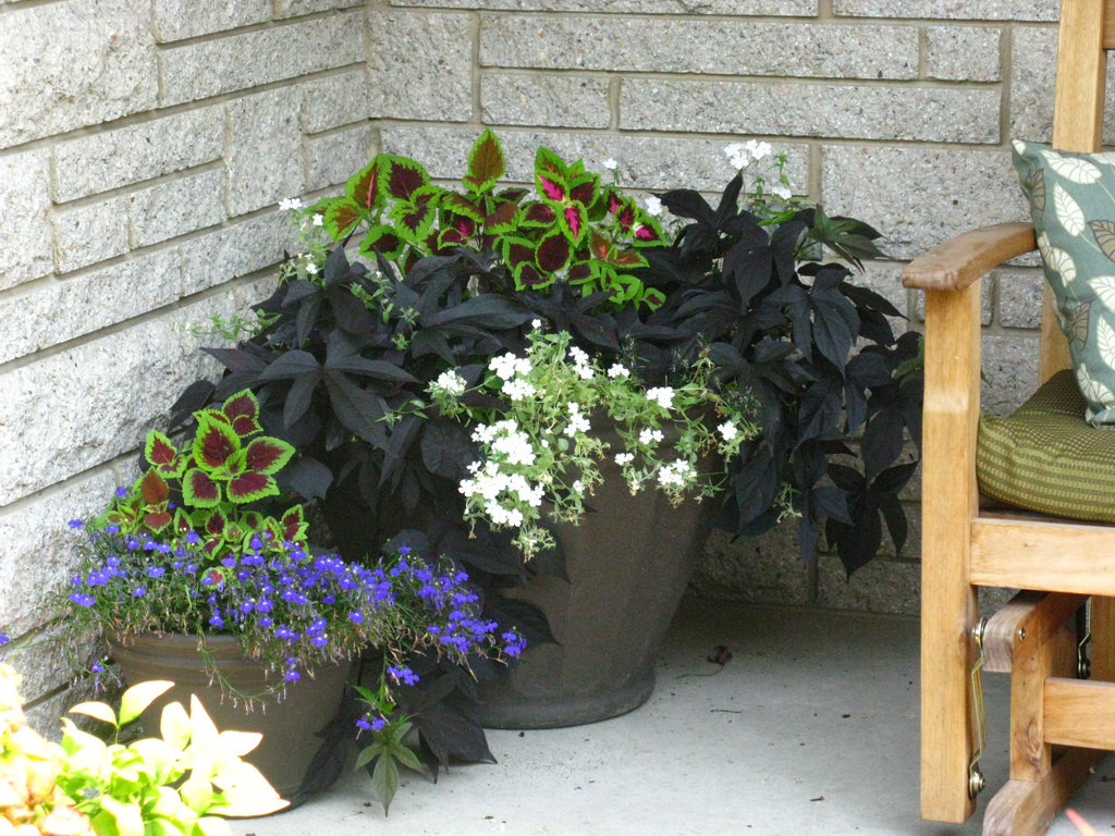 Image of: Front Porch Planters Corner