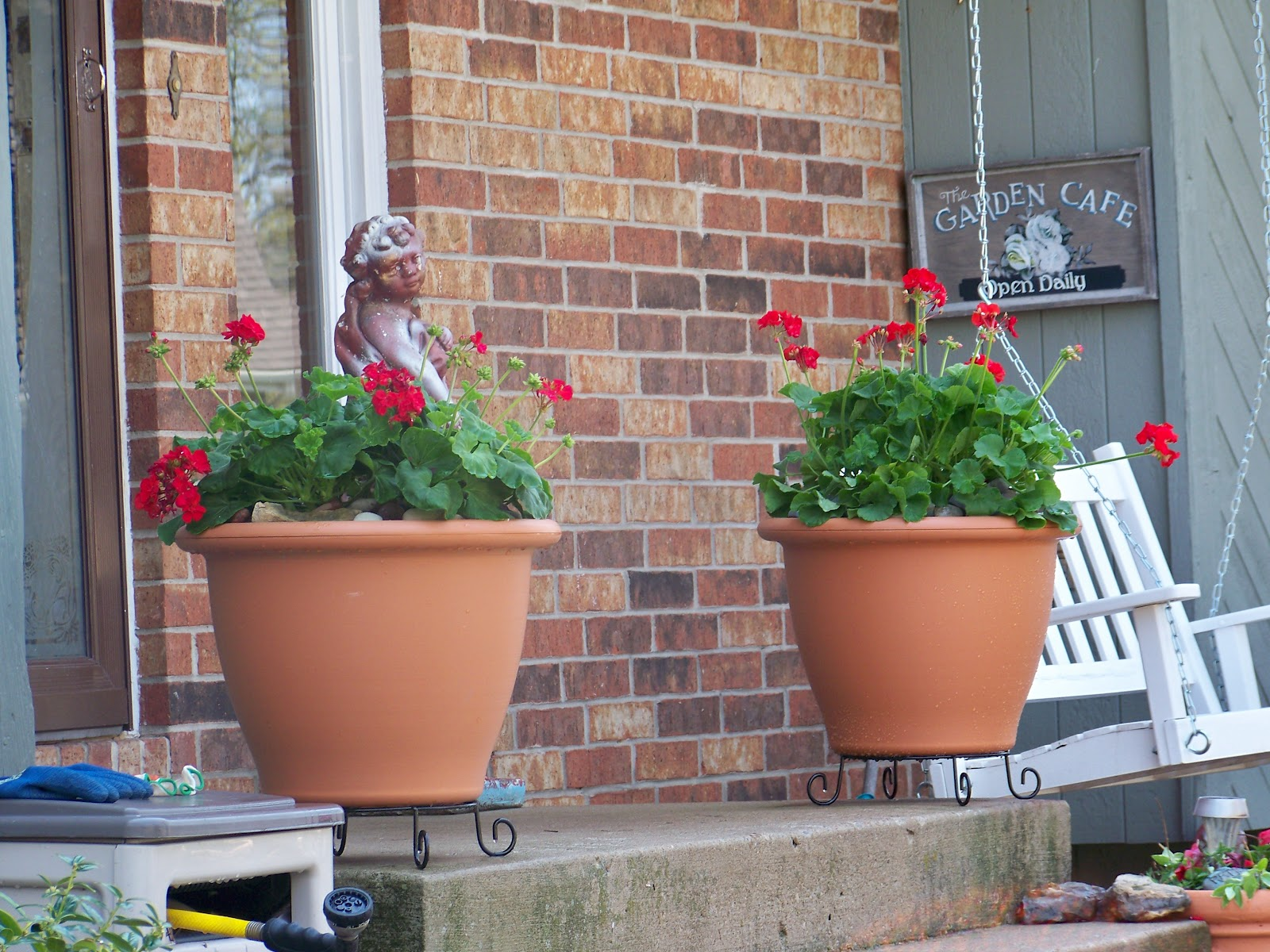 Image of: Front Porch Planters Pots