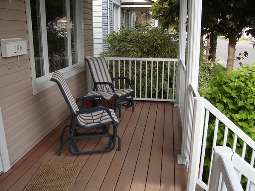 Image of: Front Porch Seating Furniture