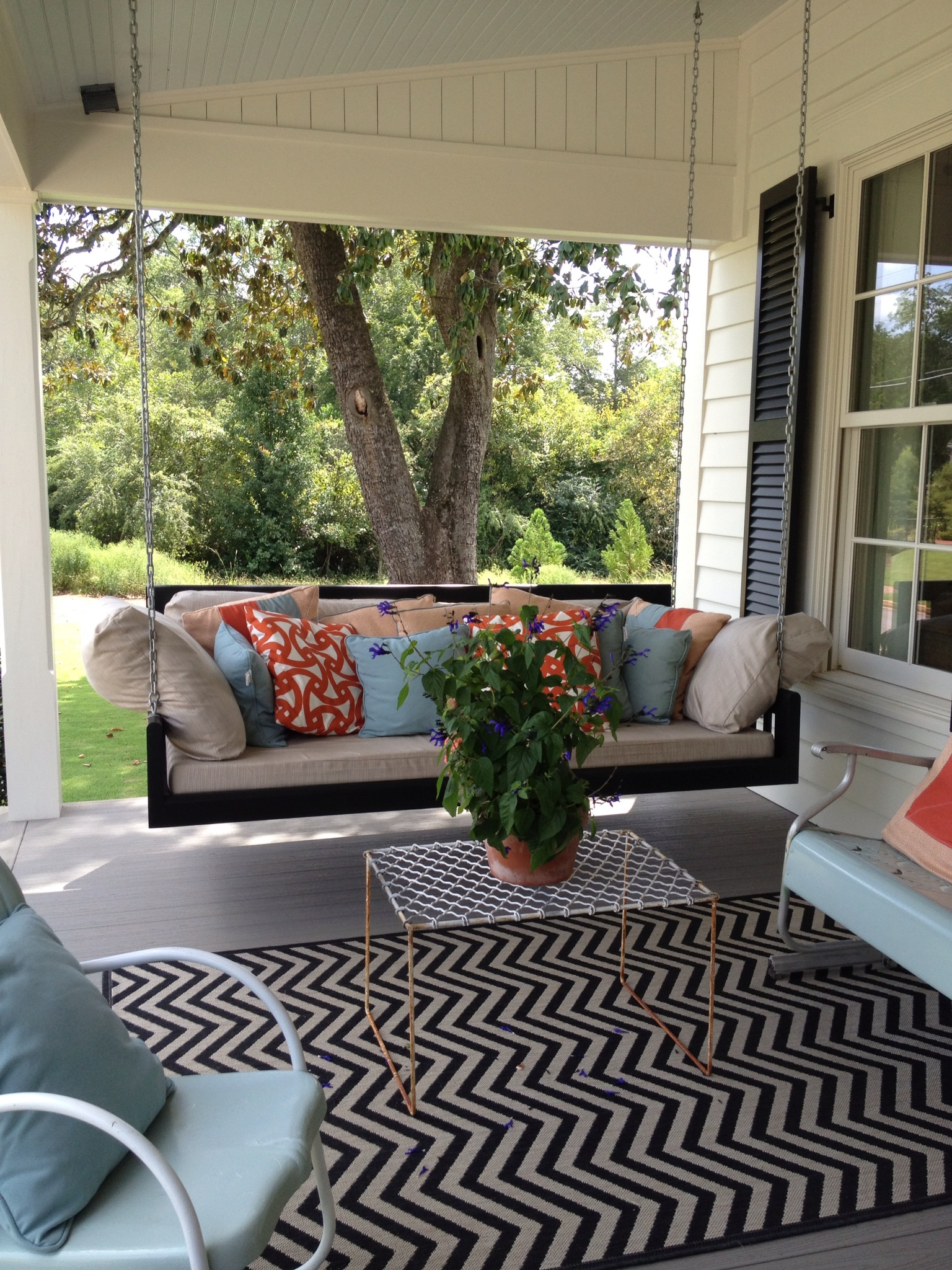 Image of: Front Porch Seating Swing