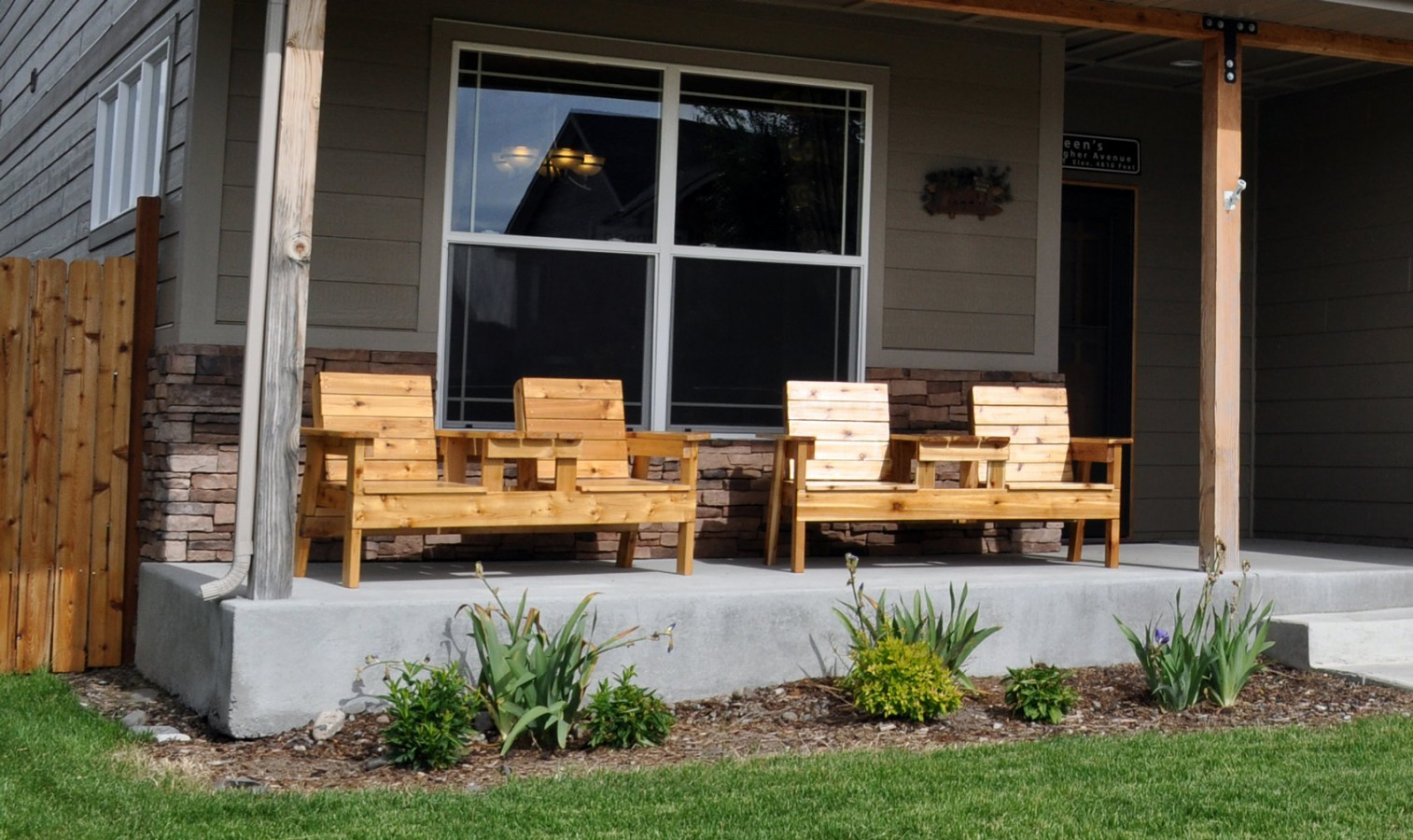 Image of: Front Porch Seating Wood