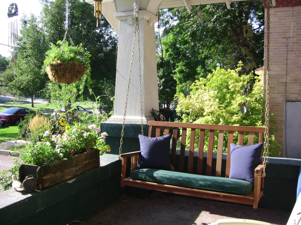 Front Porch Swings Design Ideas Wood