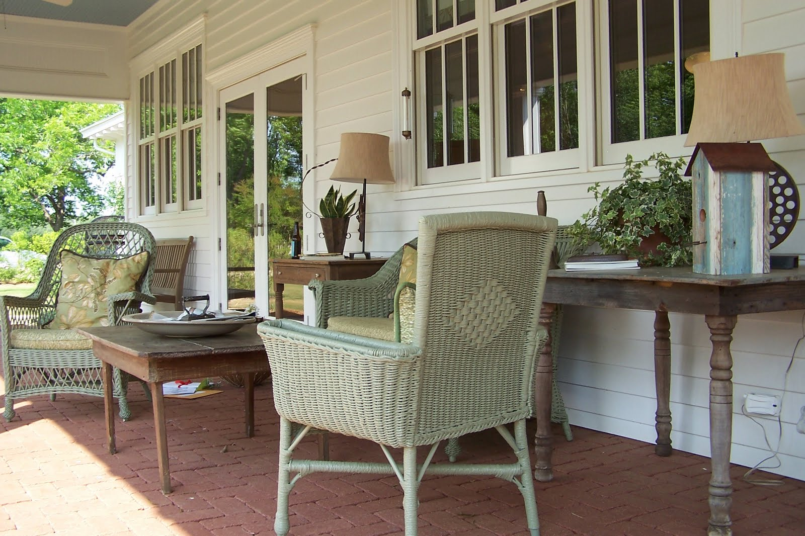 Image of: Good Country Porch Decorating Ideas