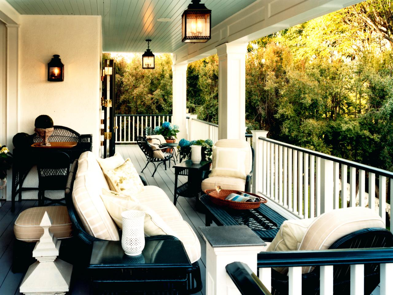 Image of: Hanging Porch Lights Patio
