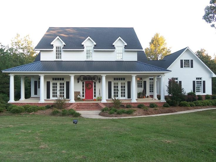 Image of: House With Wrap Around Porches And Attached Garage
