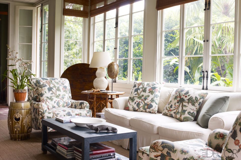 Image of: Ideas For Screened In Porch Furniture