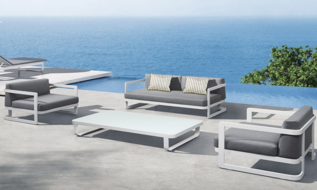 Image of: Inexpensive Contemporary Outdoor Furniture
