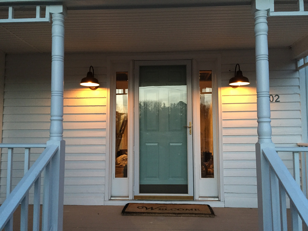 Image of: Landscape Farmhouse Porch Lights