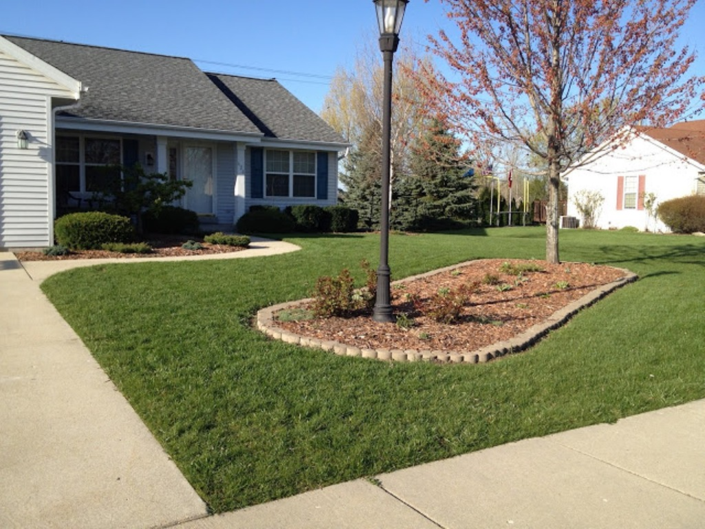 Image of: Landscaping Around Flagpole Pictures