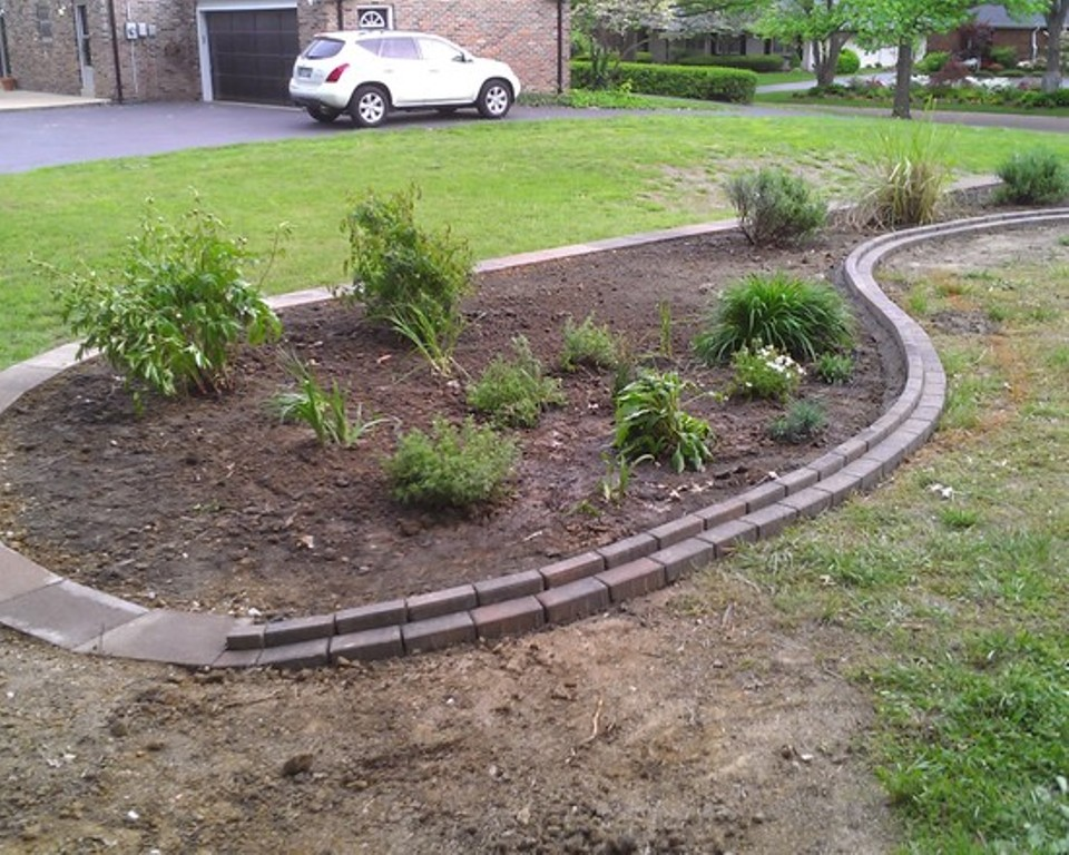 Image of: Landscaping With Railroad Ties Pictures