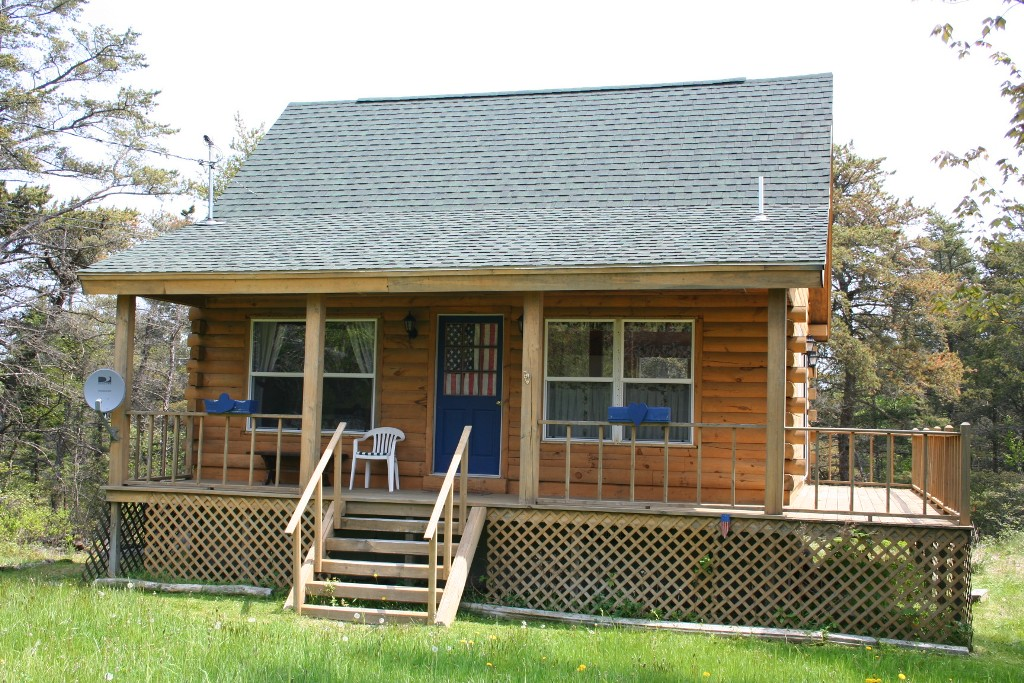 Image of: Log Cabin With Wrap Around Porch Small