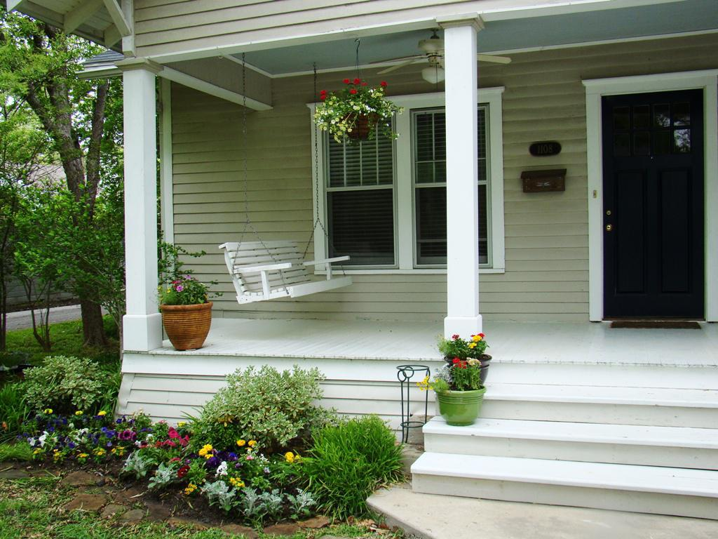 Image of: New Front Porch Decorating Ideas