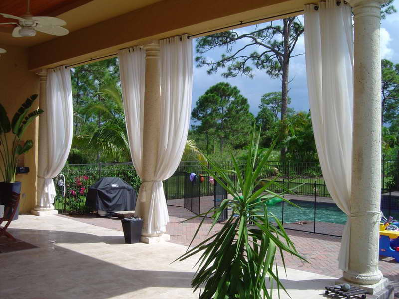 Image of: New Outdoor Curtains For Porch