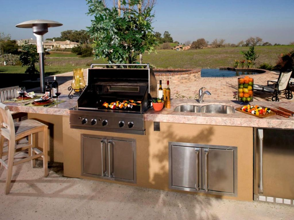 New Outdoor Kitchen Fort Lauderdale