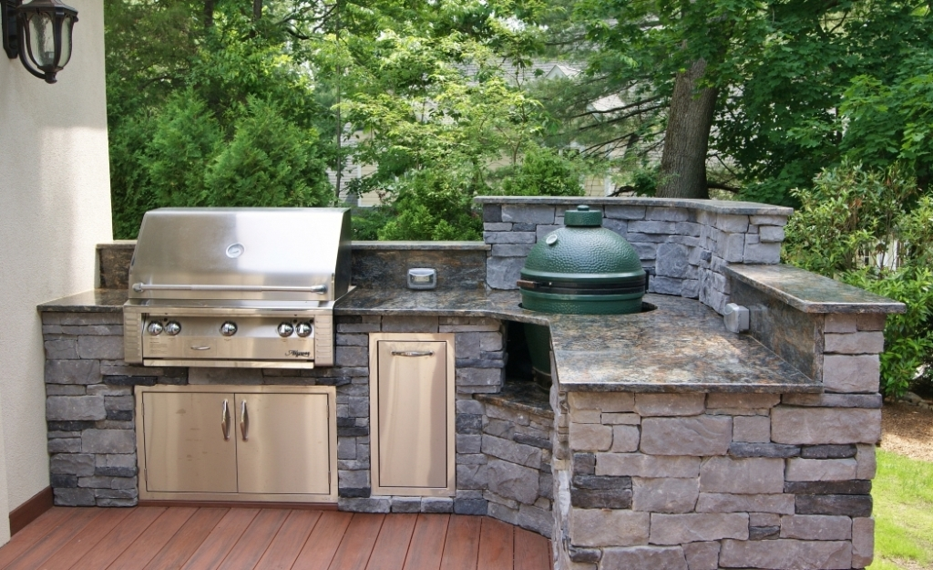 New Outdoor Kitchen With Built In Big Green Egg