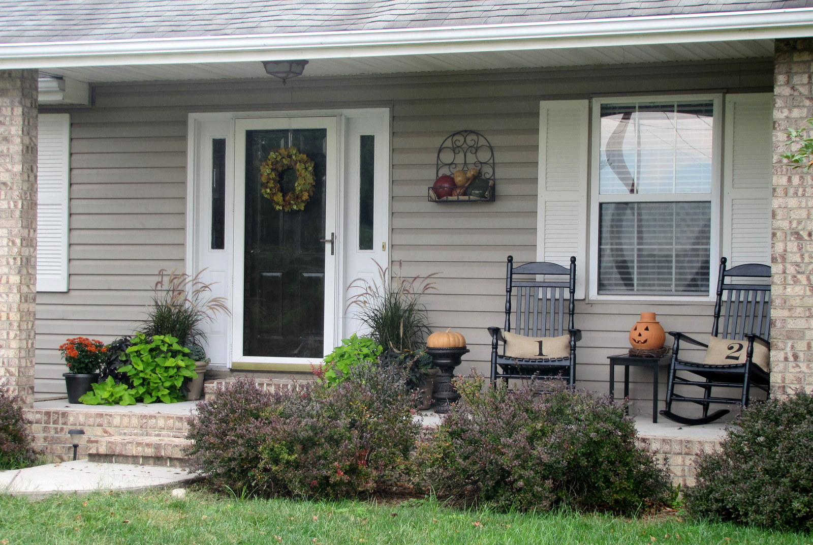 Image of: Nice Front Porch Decorating Ideas