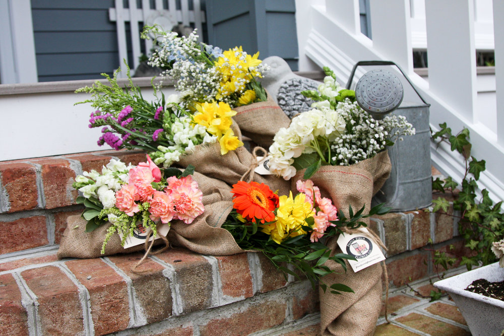Image of: Nice Front Porch Flowers Design