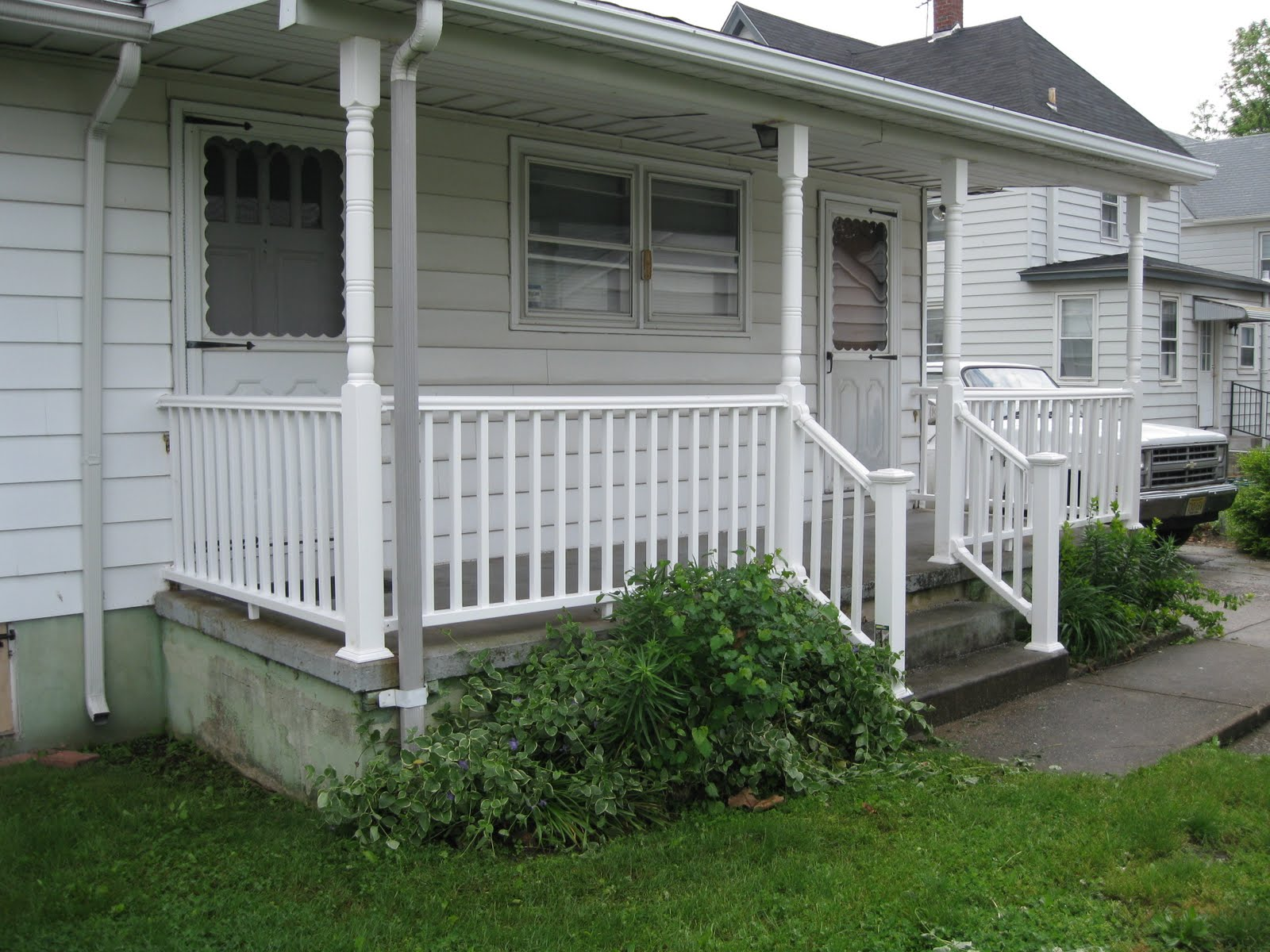Image of: Nice Handrails For Porch Steps