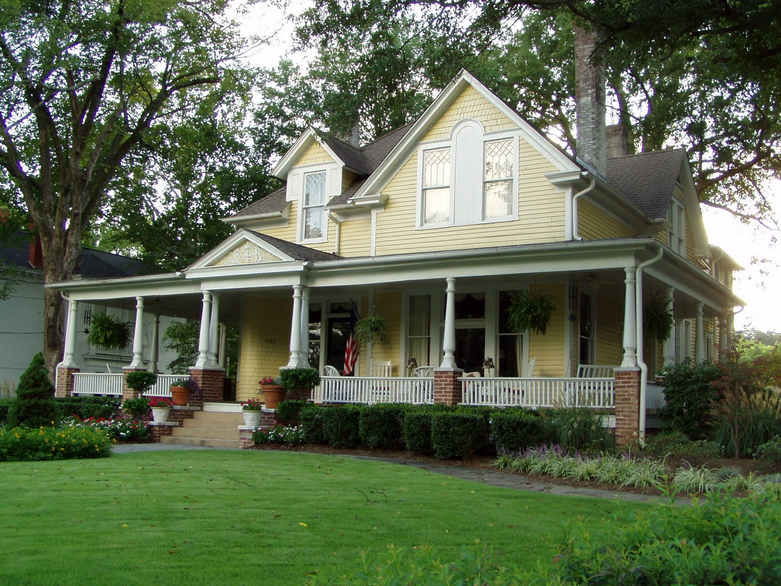 Image of: One Story House Plans With Porch Collections