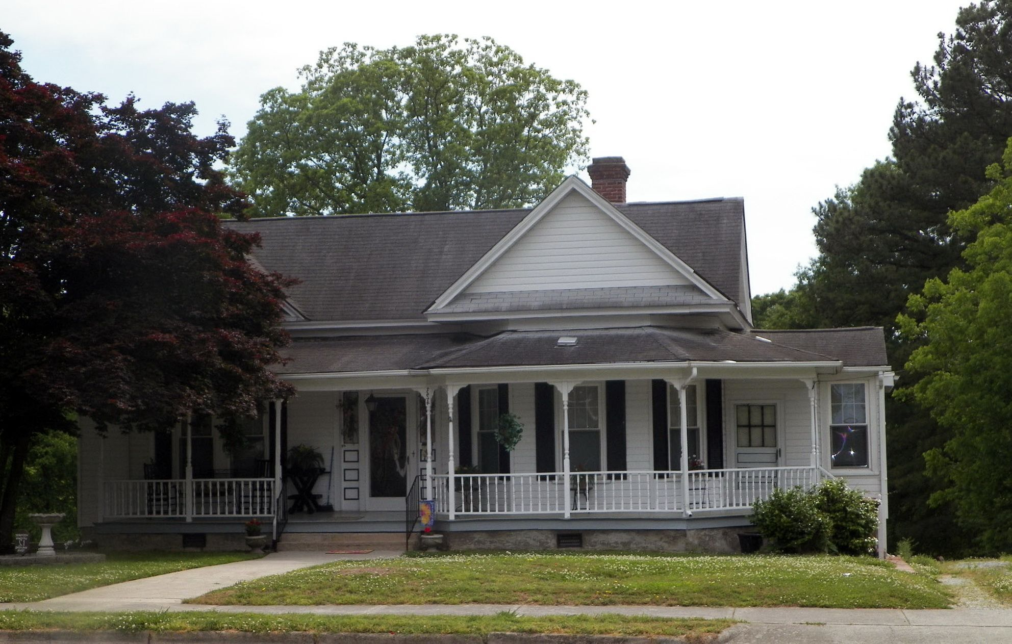 Image of: One Story House Plans With Porch Decorative