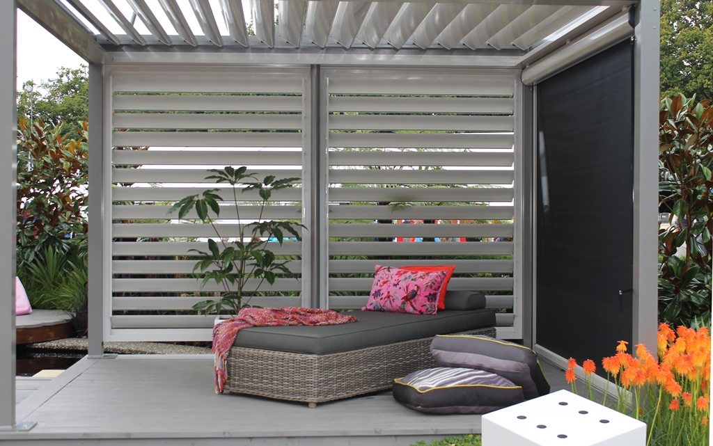 Image of: Outdoor Blinds For Porch Home Depot
