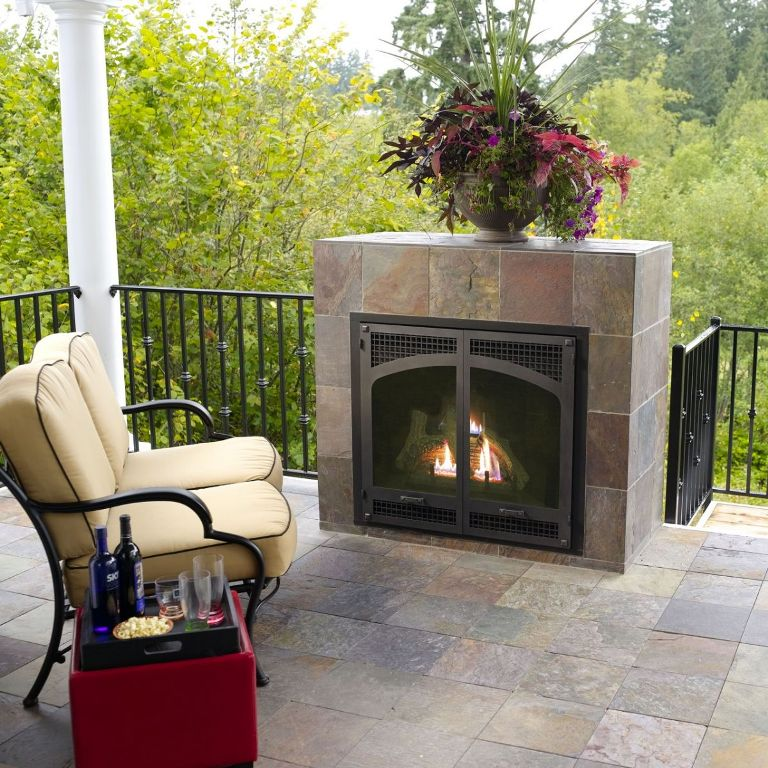 Outdoor Fireplace With Gas Logs