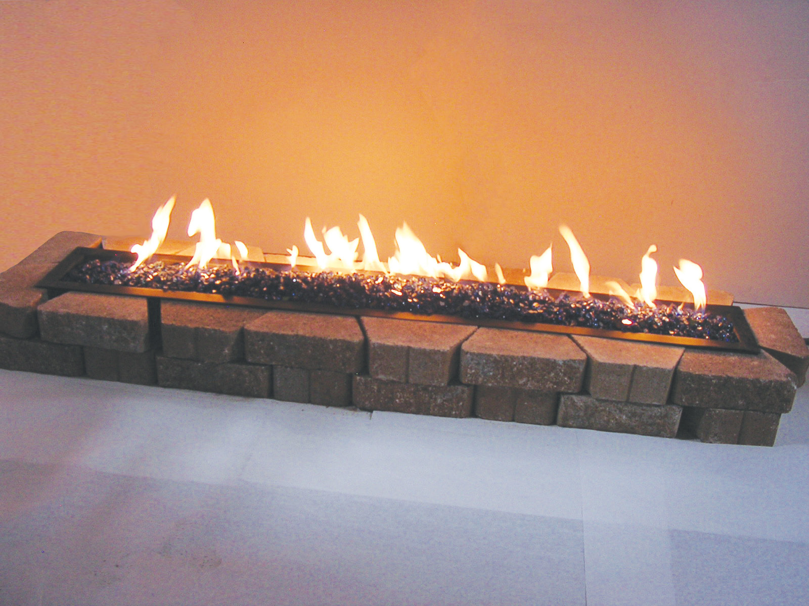 Image of: Outdoor Gas Fireplace Log Sets