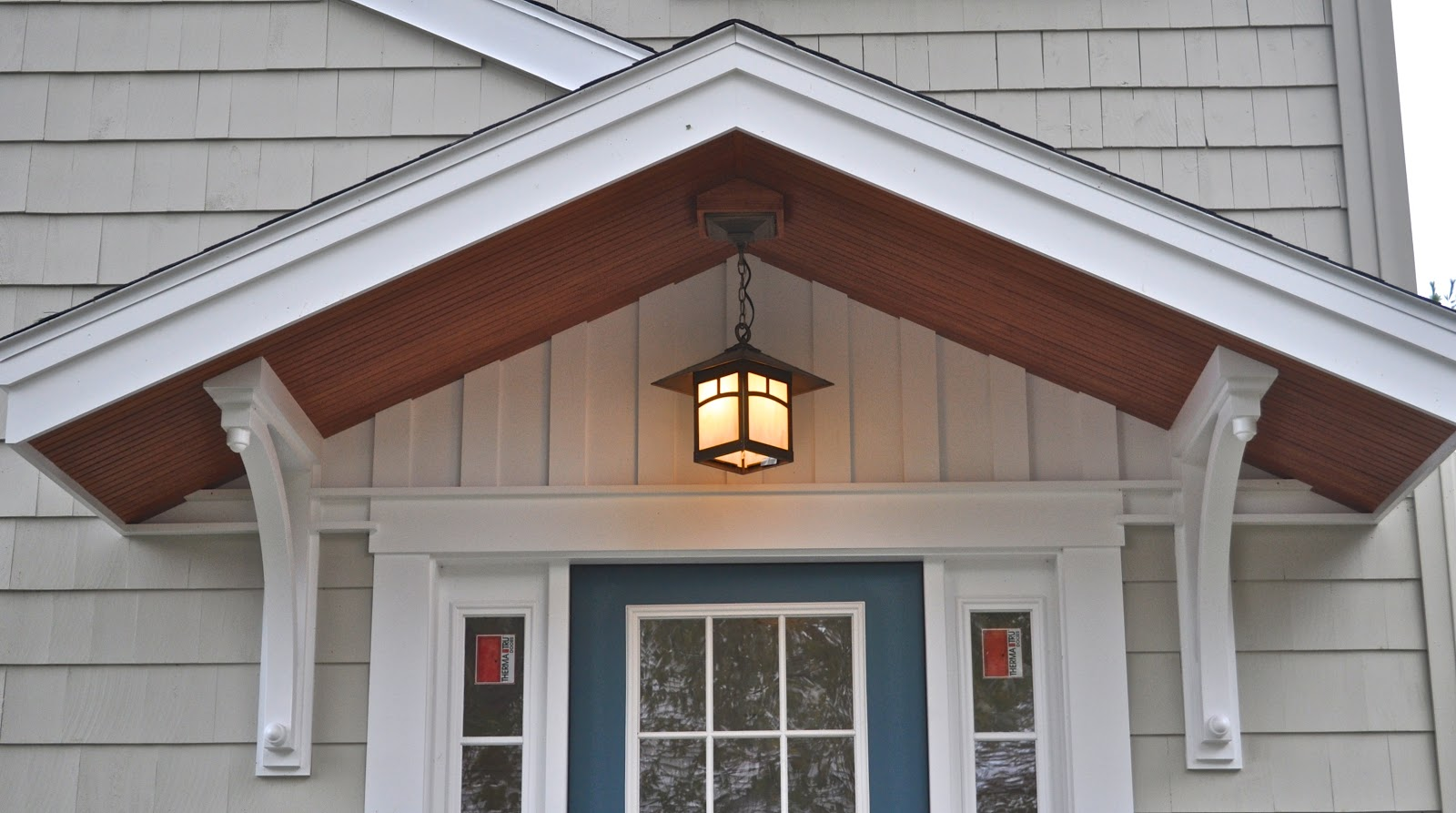 Image of: Outdoor Porch Lights Cottage