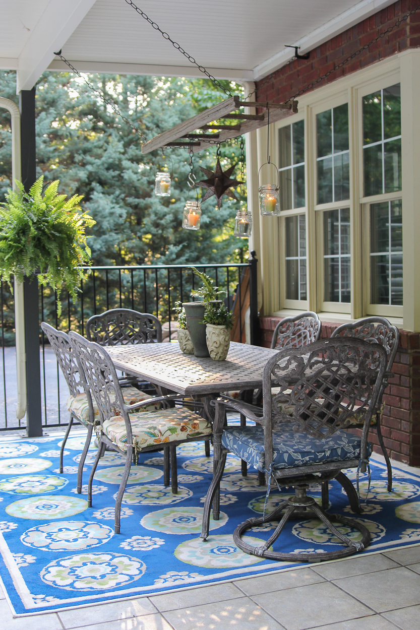 Image of: Outdoor Porch Rugs Blue