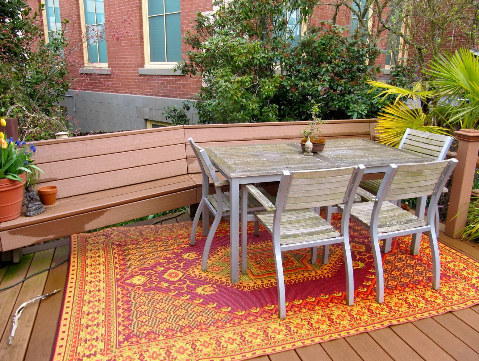 Image of: Outdoor Porch Rugs Dining