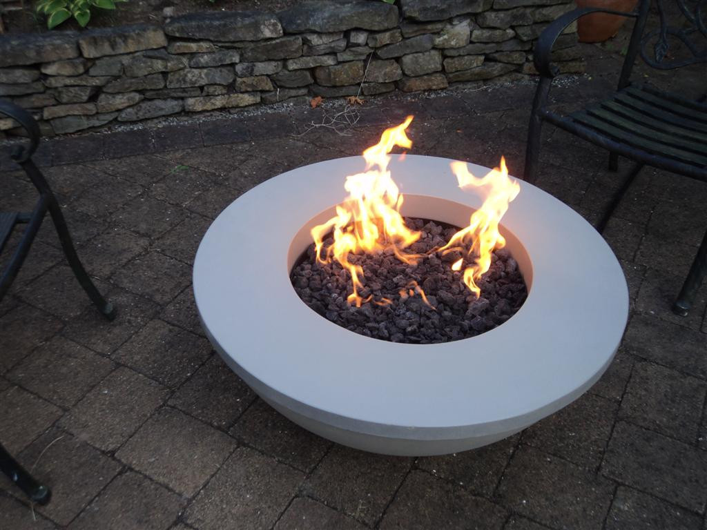 Image of: Outside Gas Fire Pit Ideas