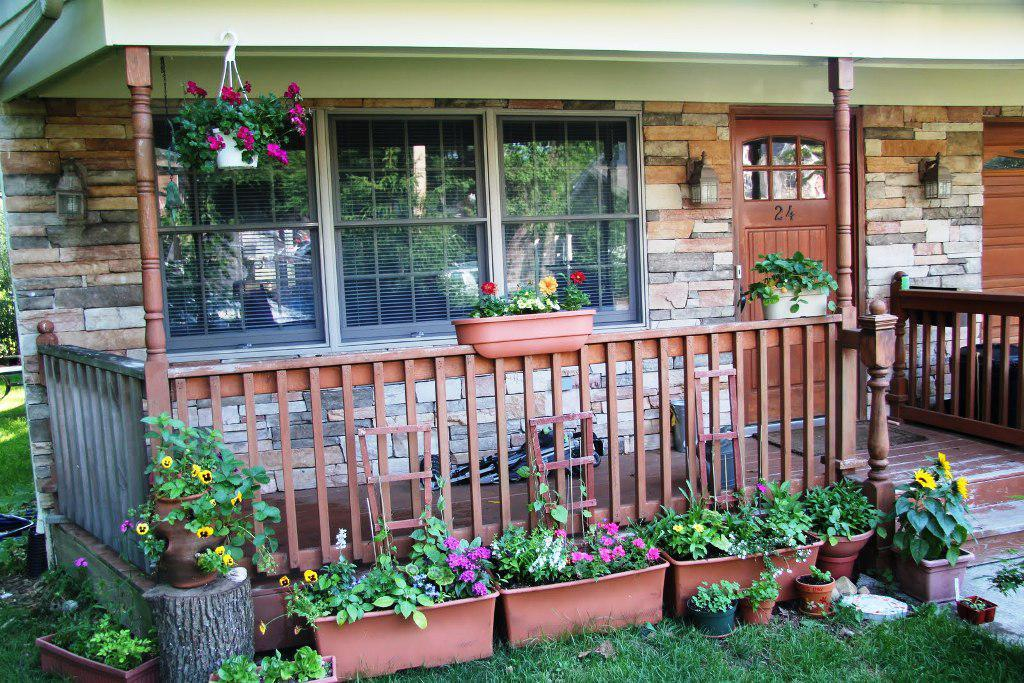 Image of: Plant Front Porch Furniture Ideas