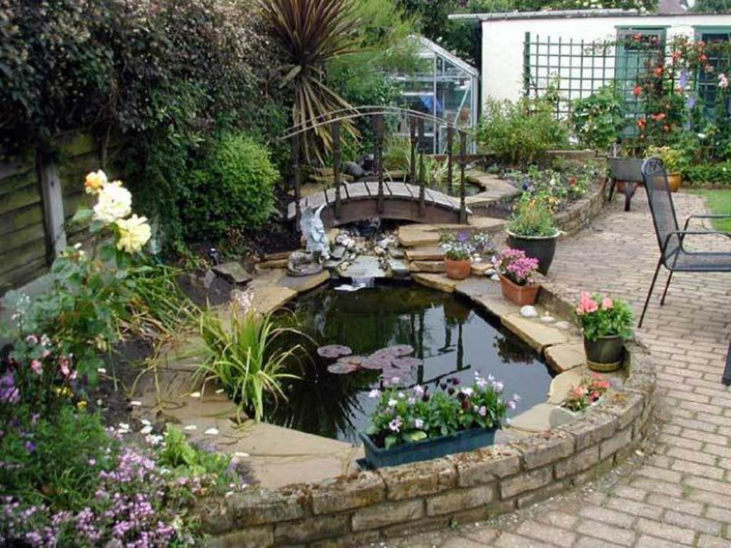 Image of: Pond Landscaping Images