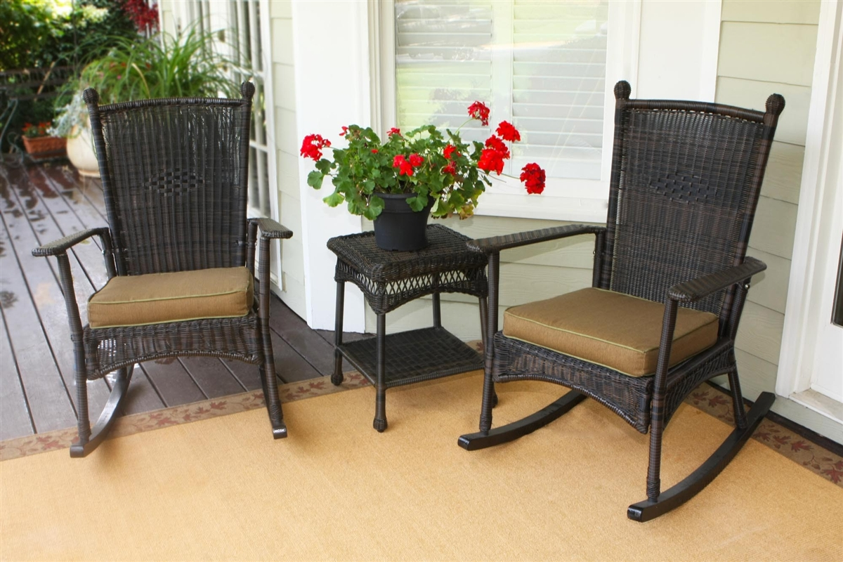 Image of: Popular Front Porch Furniture Sets Ideas