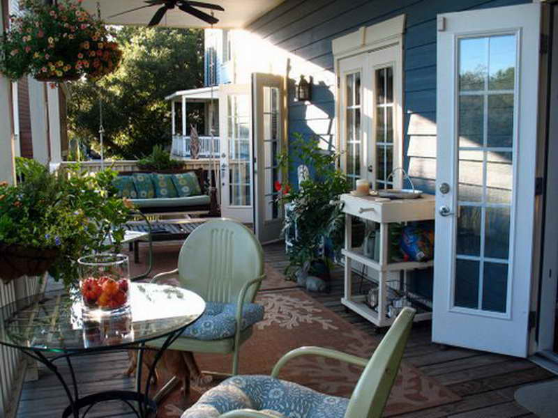 Image of: Porch Decor Ideas Backyard