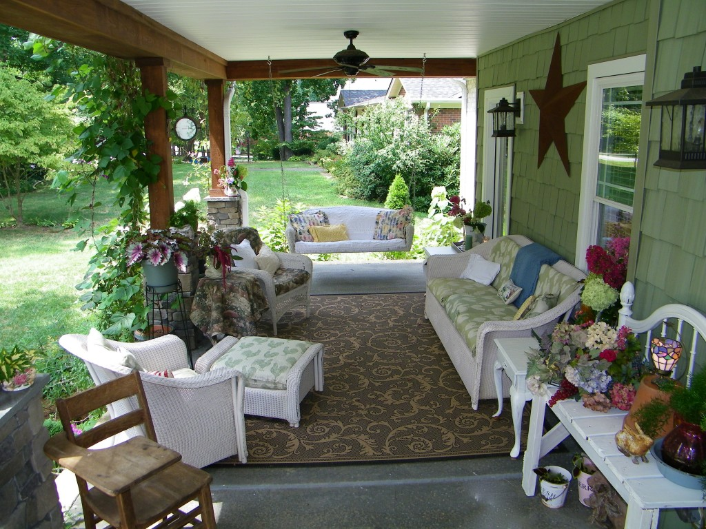 Image of: Porch Decor Ideas Cottage