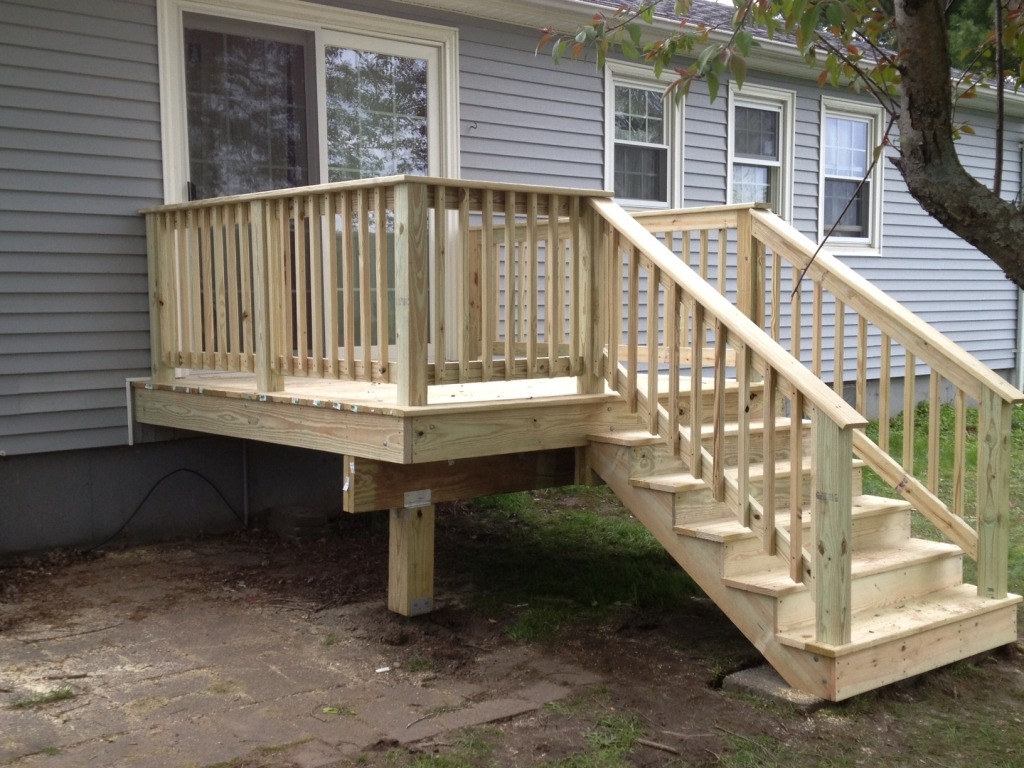 Image of: Porches And Decks Small