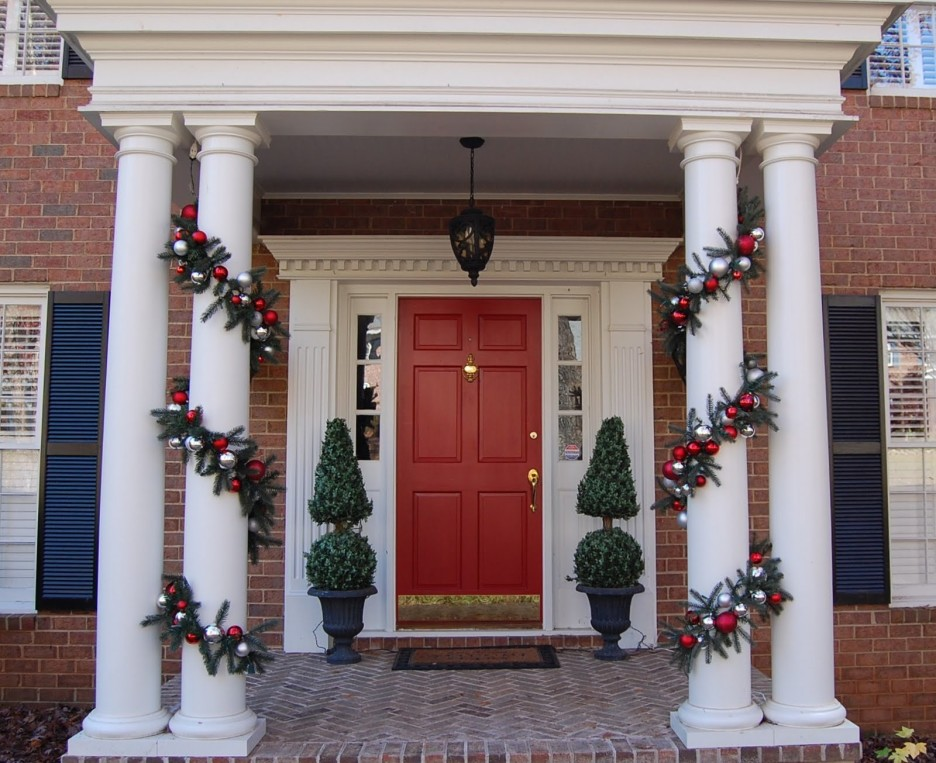 Image of: Potted Front Porch Topiary