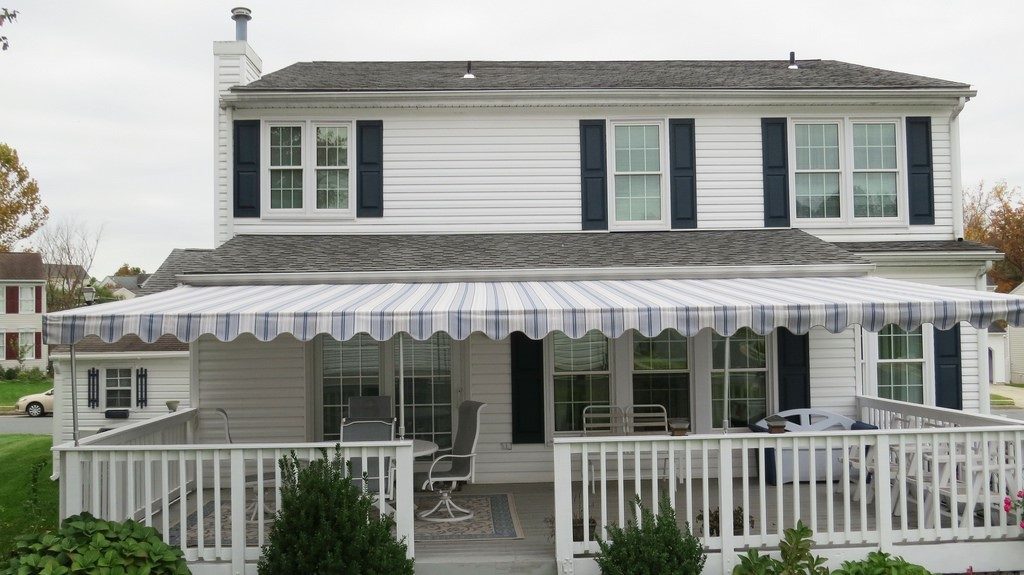 Image of: Pretty Porch Awnings For Home