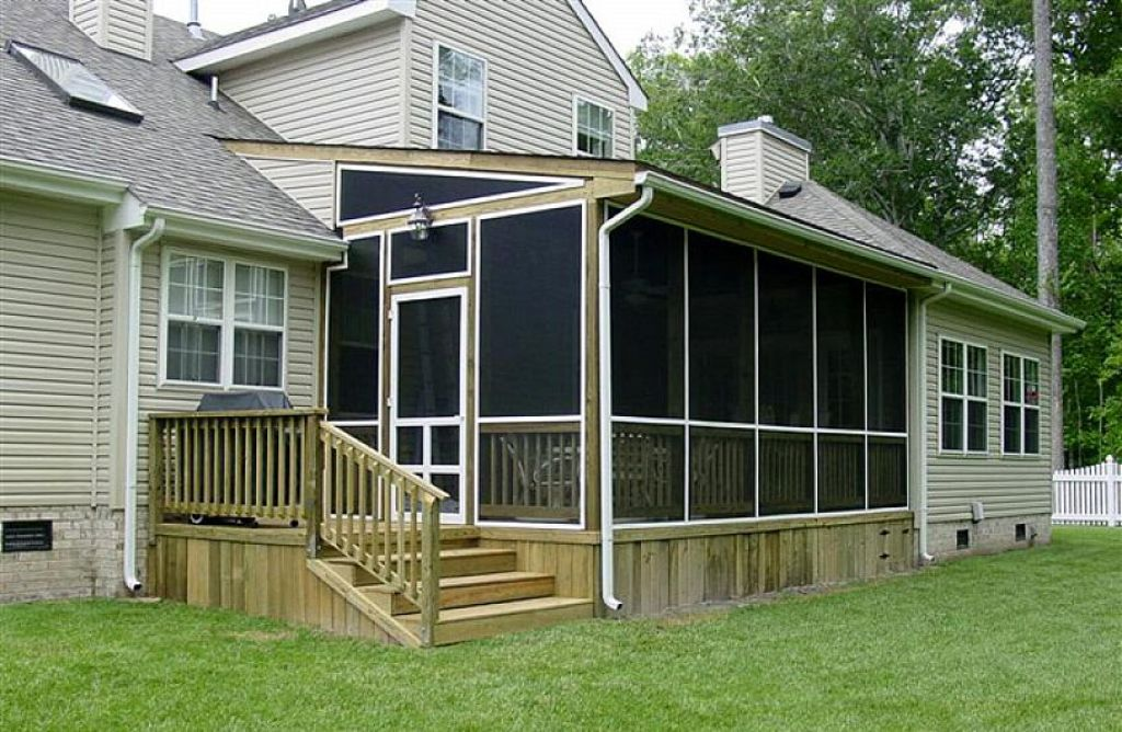 Image of: Screened In Porch Design For Houses