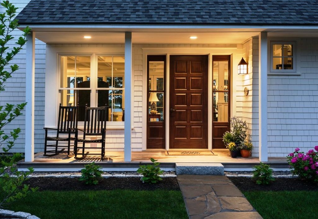 Image of: Simple Hanging Front Porch Light