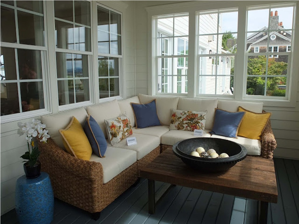 Image of: Small Enclosed Front Porch Ideas