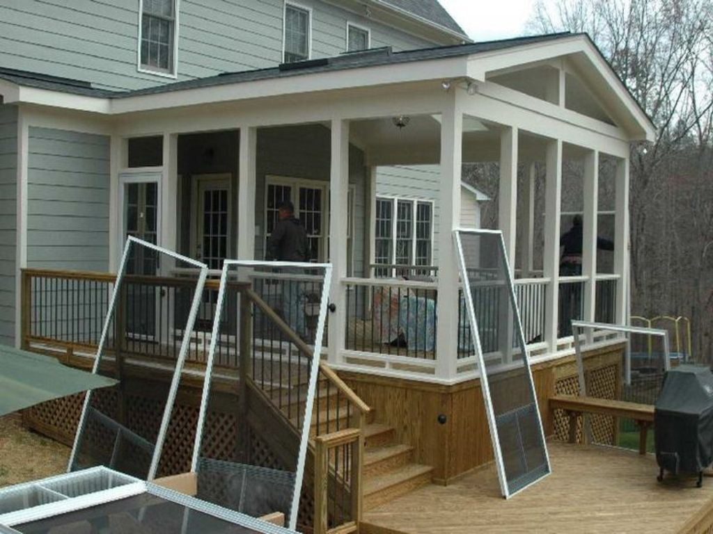 Image of: Small Screened In Porch Design Ideas