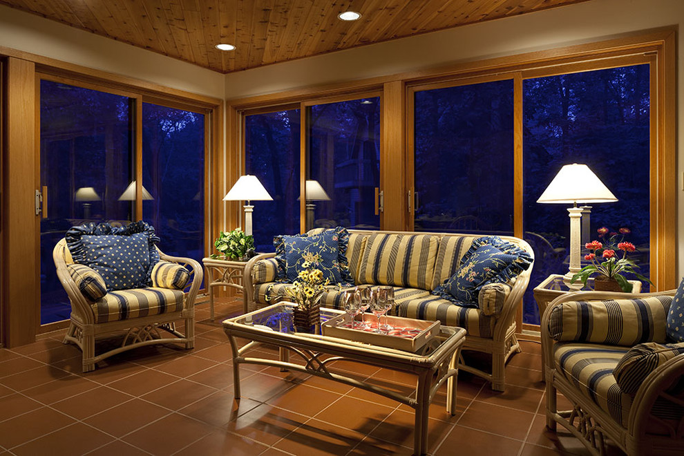 Image of: Sunroom Ideas For Screened In Porch