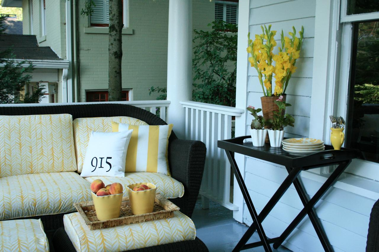 Image of: Top Front Porch Table And Chairs